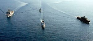 800px-US_Navy_080629-G-9409H-602_U.S._Navy_and_Republic_of_Singapore_ships_steam_through_the_South_China_Sea